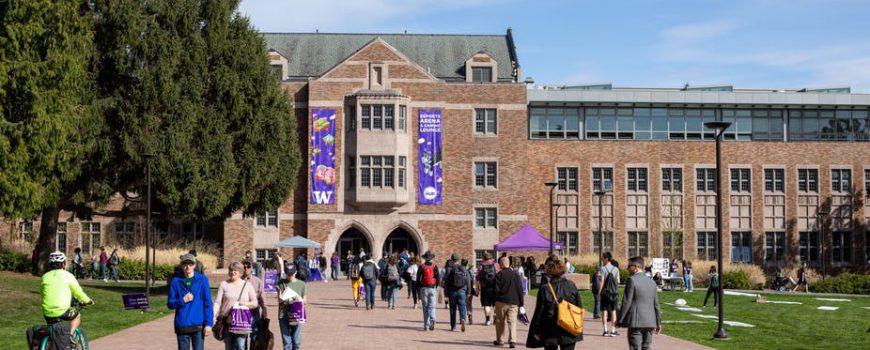 """Bang Washington đặt cược lớn vào """"trường đại học miễn phí"""""""